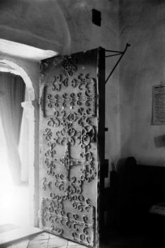 Haddiscoe St Mary's church S door ironwork 10.07.1940