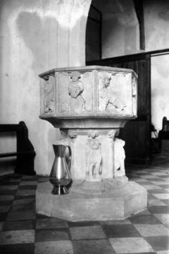 Haddiscoe St Mary's church font east side 10.07.1940