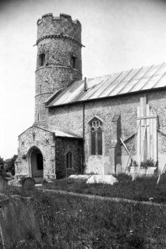 Haddiscoe St Mary's church from SE 10.07.1940