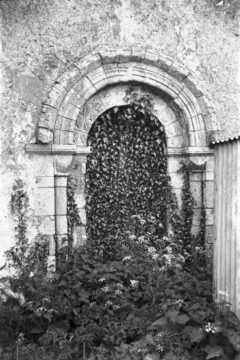 Hellington St John Baptist's Norman N door 25.05.1940