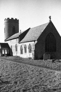 Hellington St John Baptist's church from SE 02.03.1940