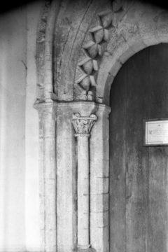 Lt Snoring St Andrew's church Norman S door (2) 28.07.1950