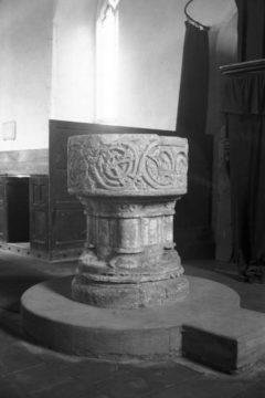 Lt Snoring St Andrew's church Norman font 28.07.1950