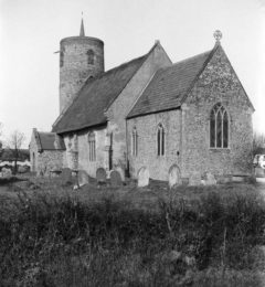 Seething St Margaret's church from SE 25.03.1940